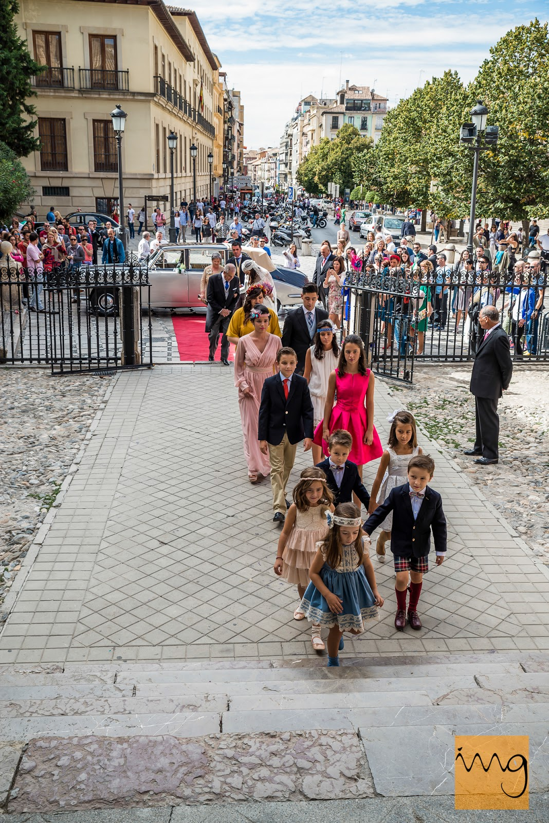 Fotografía de boda, la entrada a la iglesia