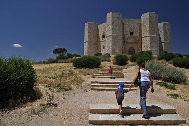 Castel del Monte in Puglia. Foto di Giovanni Battisti