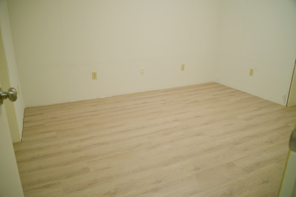 how to install laminate, laminate flooring for the basement, DRIcore subfloor panels, laminate vapour barrier, Beaulieu Canada laminate