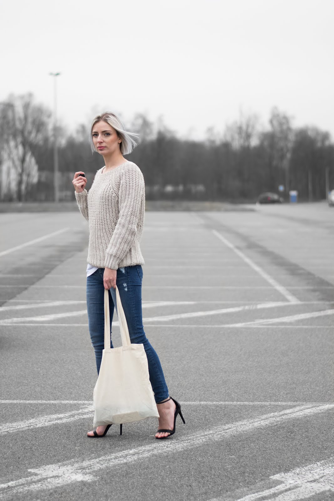 JBC knit, beige, 7 for all mankind jeans, the skinny, slim illusion, naked heels, steve madden, stecy, minimal, outfit, street style