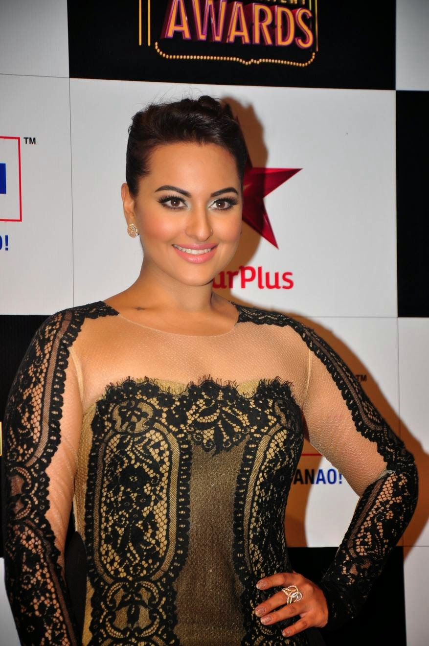 Bollywood Glamorous Hot Actress Sonakshi Sinha Photos In Full Black Gown