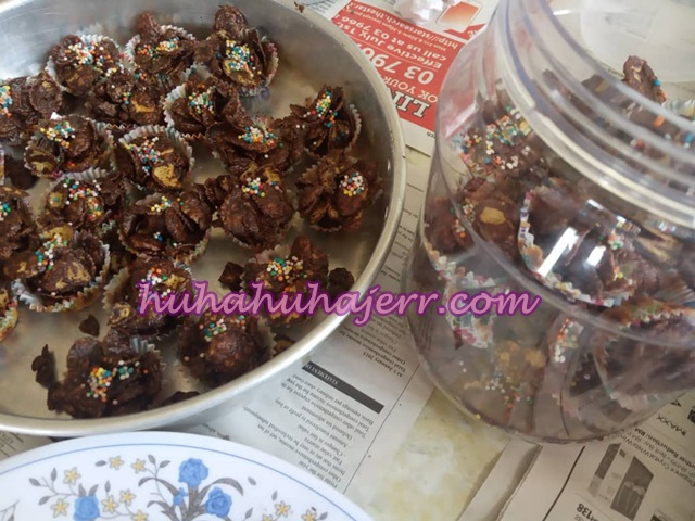 Resepi Cornflakes Salut Coklat Tabur Rainbow Ball Senang Sangat Membuatnya....