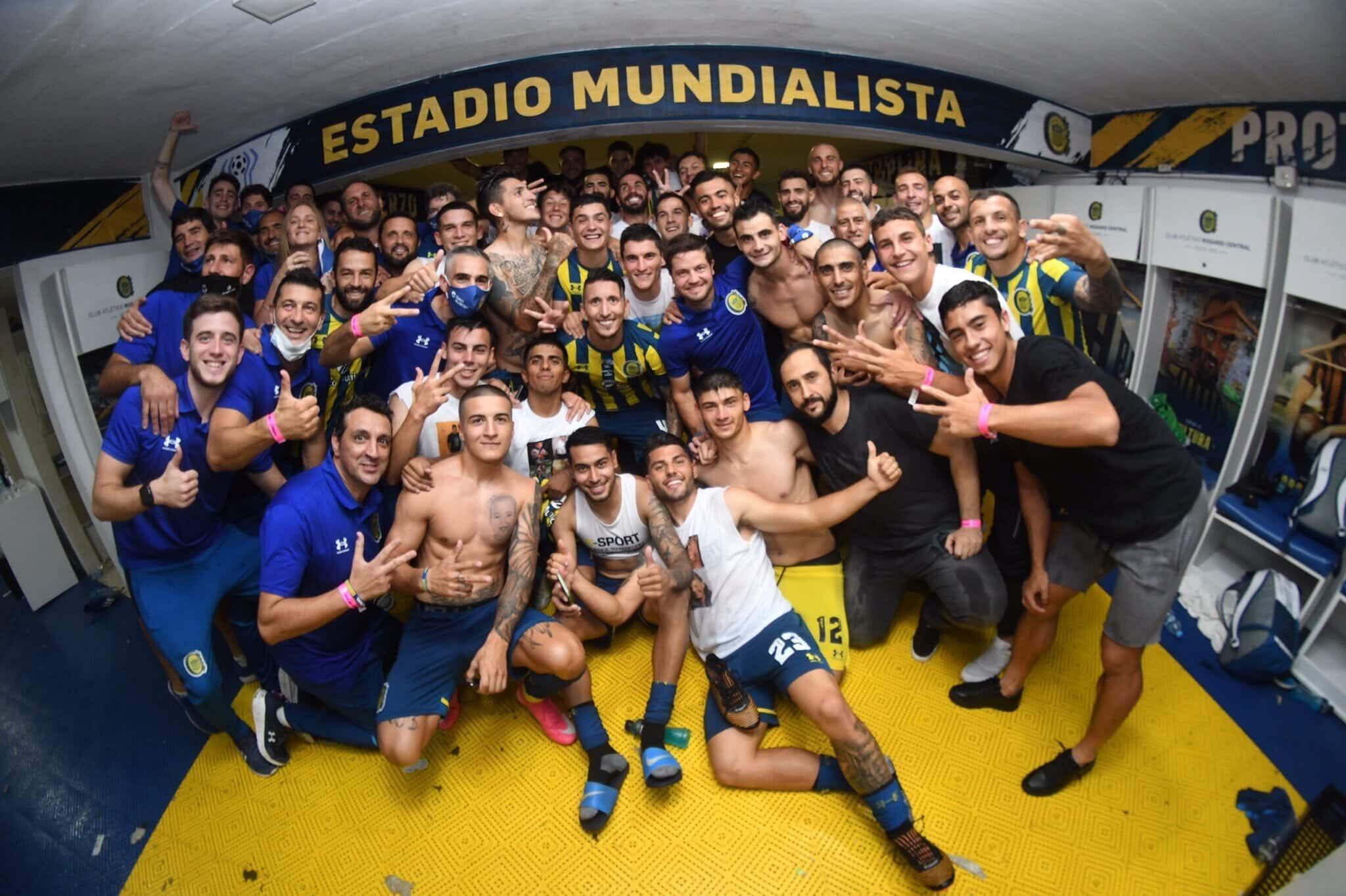 Rosario Central goleó a Newell's en el clásico y sueña con la clasificación