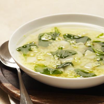 Receta de Sopa de Papas Amarillas y Espinacas