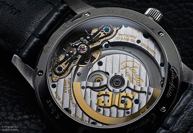 The movement of the Glashütte Original PanoMaticLunar