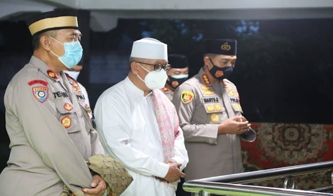 Kenang Jasa Ulama, Kapolresta Tangerang Ziarah ke Makam Ulama Pendiri Ponpes Tarmub