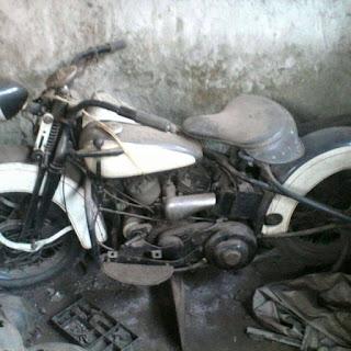 LAPAK MOTOR TUA : Dijual Motor Tua WLC 1948 - BANDUNG