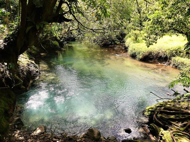 borbollones rio celeste costa rica