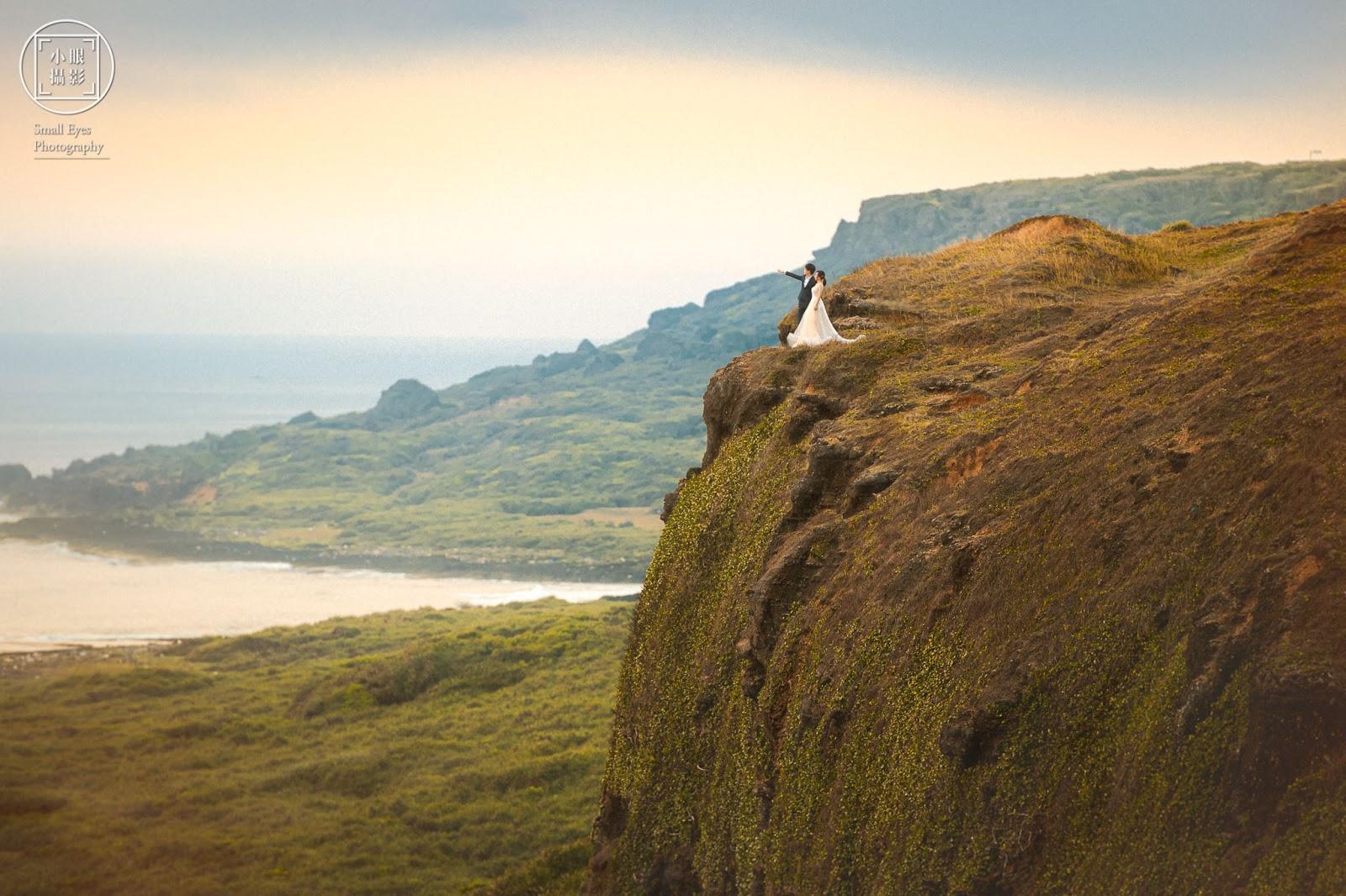 小眼攝影, 自主婚紗, 海外婚紗, 婚紗, 婚紗攝影, 婚攝, 蒂米琪, 新秘瓜瓜, 墾丁, 龍磐草原, 小巴里岩, 斷崖, 懸崖, 大景, 日出, 看見台灣, 推薦,