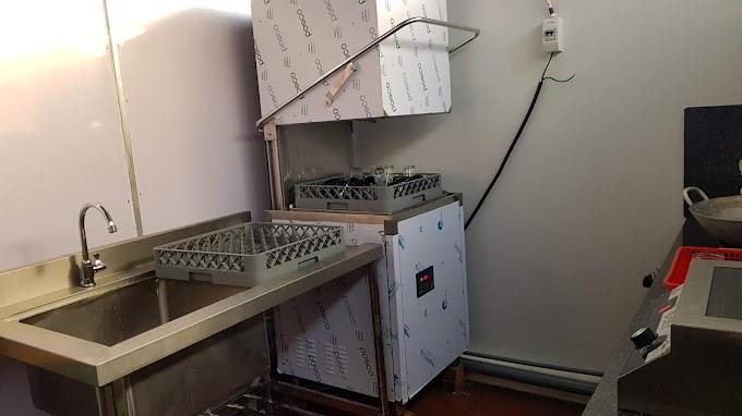 Những ưu điểm của dòng máy rửa bát công nghiệp cho nhà hàng