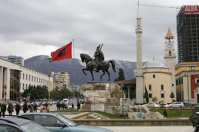 Εκλήθη στα Τίρανα ο πατέρας του Κατσίφα