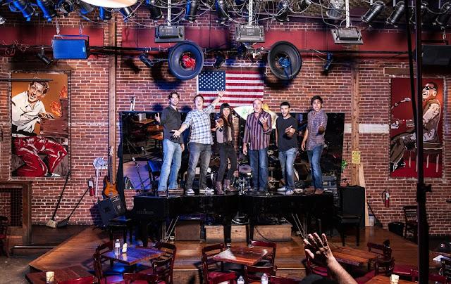 Informações sobre o bar The Shout em San Diego
