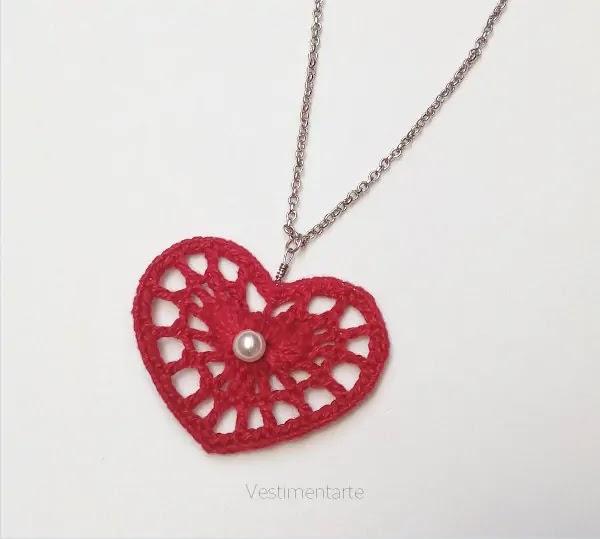 Colar Coração Crochê Vermelho Pérola