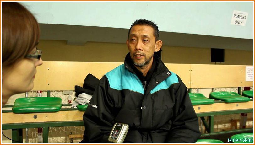 Misbun Sidek, legenda badminton Malaysia sedang ditemuramah pemberita