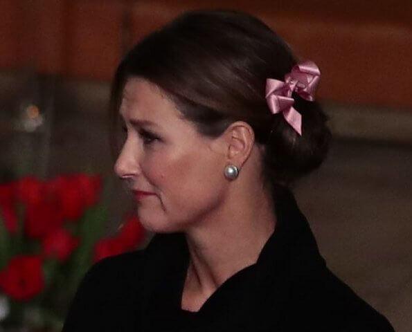 Crown Princess Mette-Marit, Princess Ingrid Alexandra, Princess Laurentien. Victoria. Princess Estelle had an accident at Italian Alps