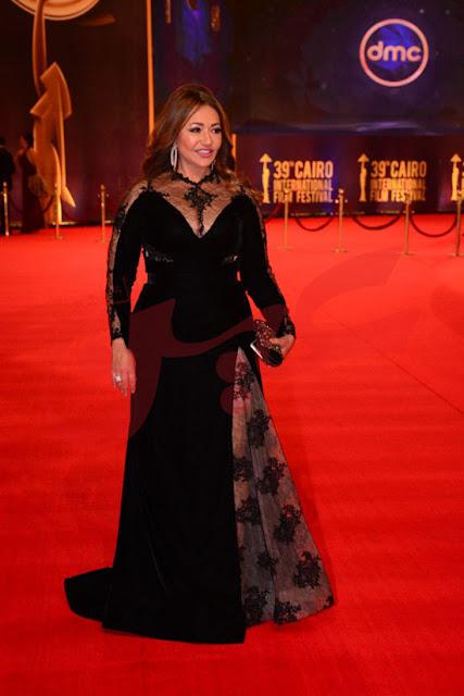 ليلى علوي بإطلالة جريئة في مهرجان القاهرة السينمائي الدولي بدورته ال39