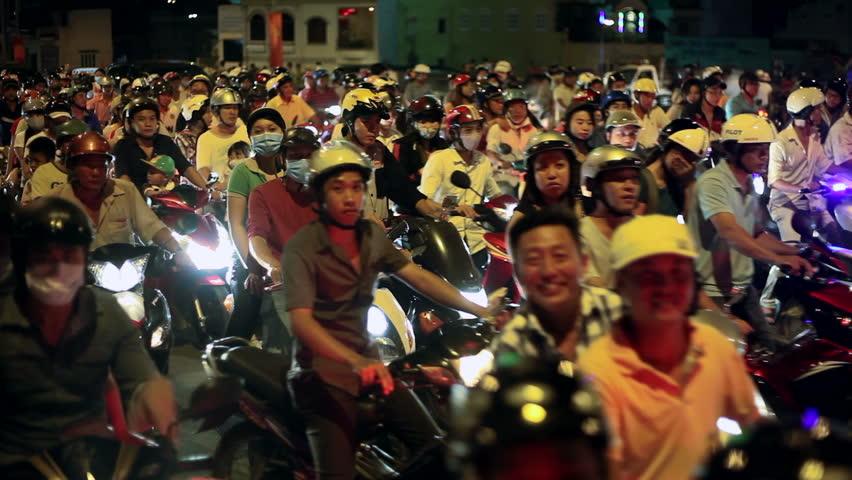 Truyện ngắn: Phong cách làm việc của người Việt (p1)