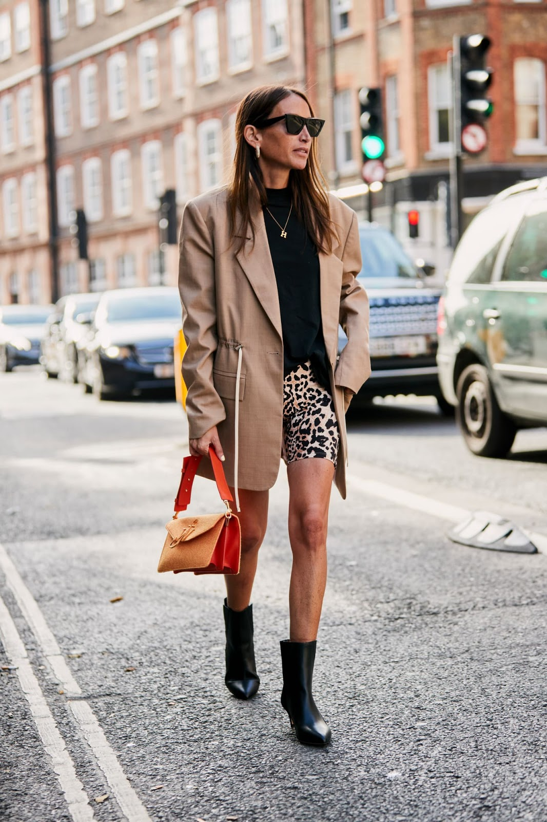London Fashion: Chic Street Style Looks From Fashion Week