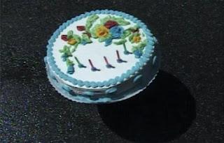 Birthday cakes don't bounce. Elmo's World Balls Quiz