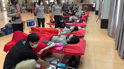 Sambut Hari Bhayangkara ke-75, Polwan Polda Sumut Donorkan Darah