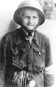 WW2 Poland - Warsaw Uprising - Little Boy - Polish Scout