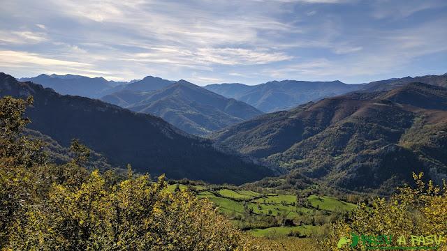 Vista del Valle de Aller subiendo a la zona alta del Pico Formoso