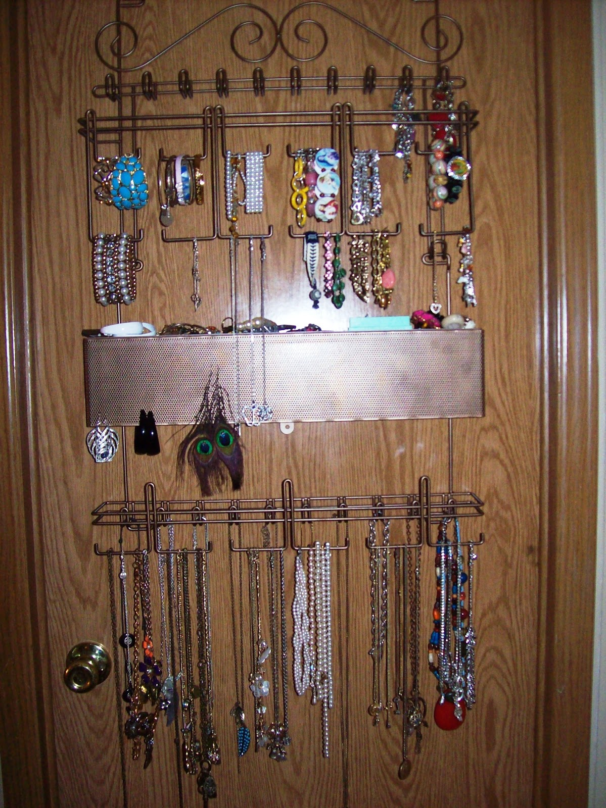 Door Jewelry Amp Danya B Over The Door Jewelry And Makeup