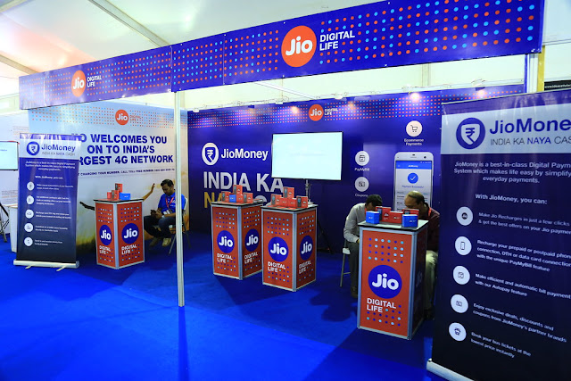 Facebook Buys Stack in Reliance Jio