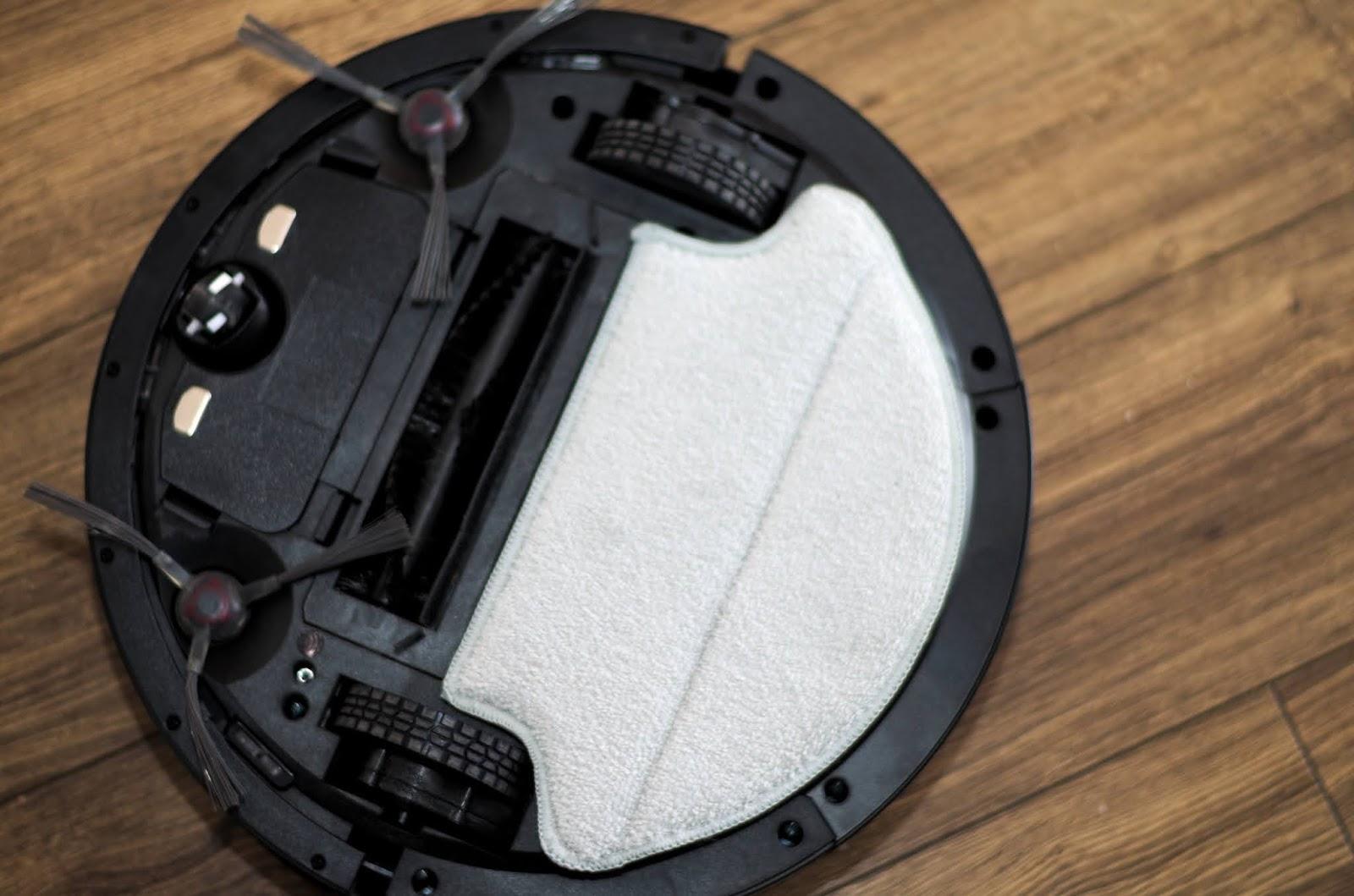 robot z funkcja mopowania podłogi