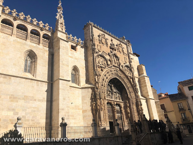 Portada de la Catedral de Aranda de Duero | caravaneros.com