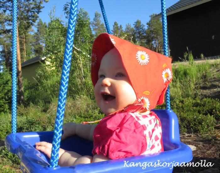 Vauvan aurinkohattu
