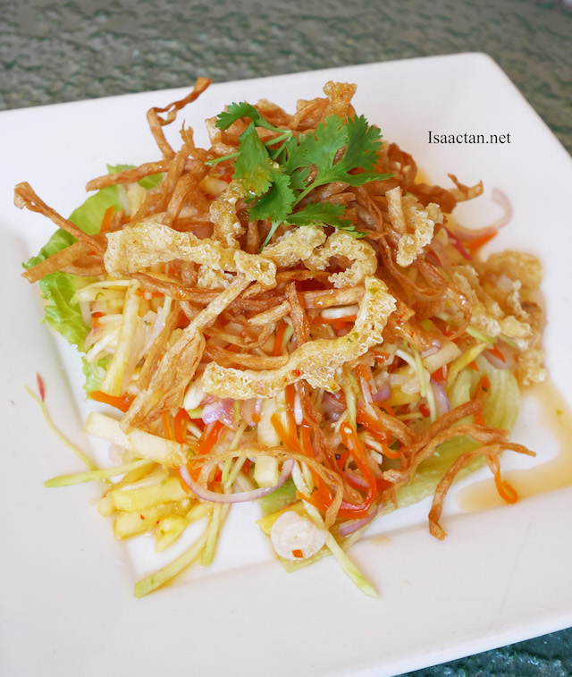 Thai-licious Menu @ Zuan Yuan Chinese Restaurant, One World Hotel - Mixed Thai Salad with Fried Fish Maw
