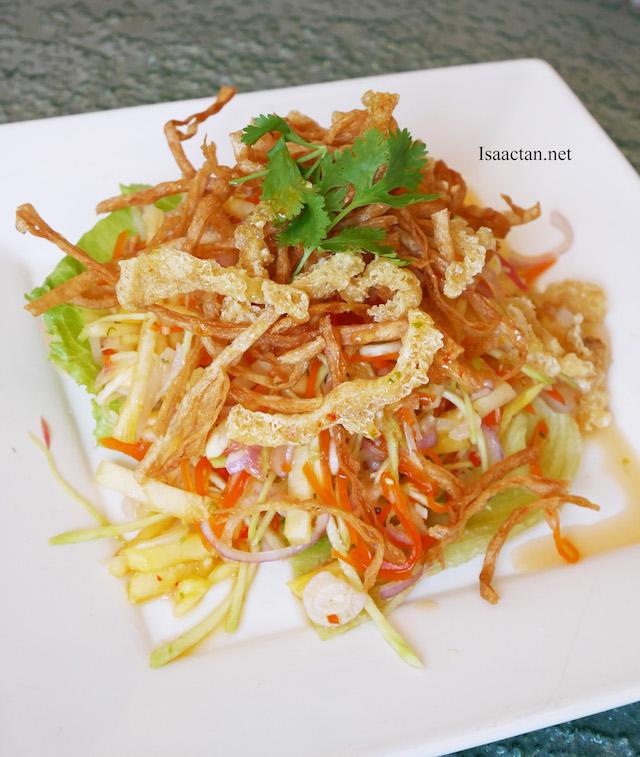 Thai-licious Menu @ Zuan Yuan Chinese Restaurant, One World Hotel - Mixed Thai Salad with Fried Fish Maw