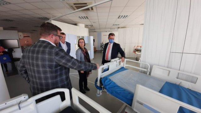 Na República Tcheca, Rui convida fábrica de equipamentos de saúde a se instalar na Bahia