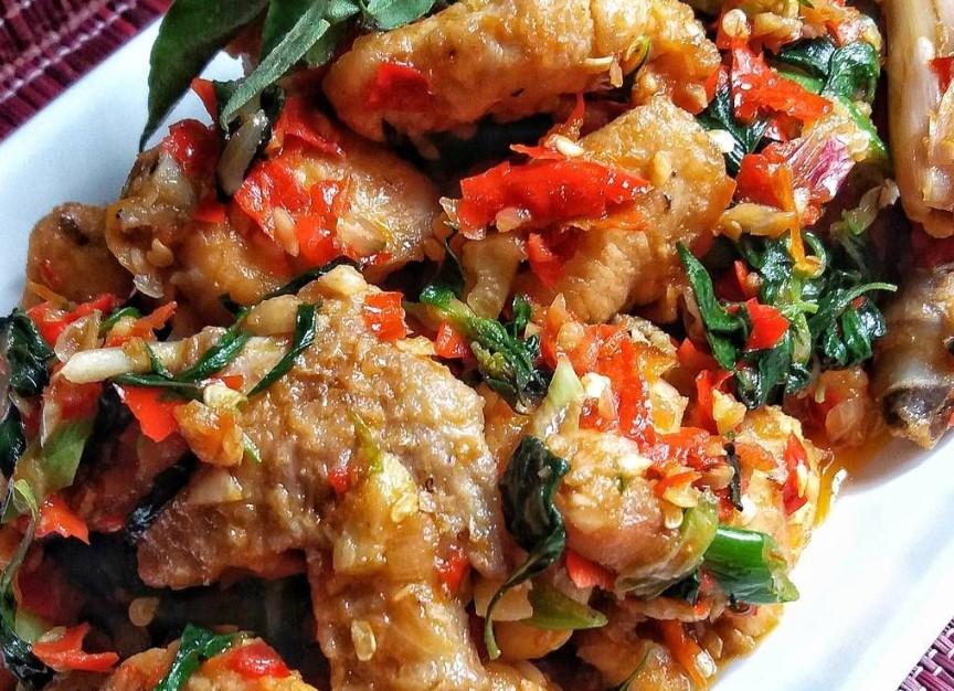 Ayam Rica Rica Kemangi Khas Manado Lezat Dan mantap