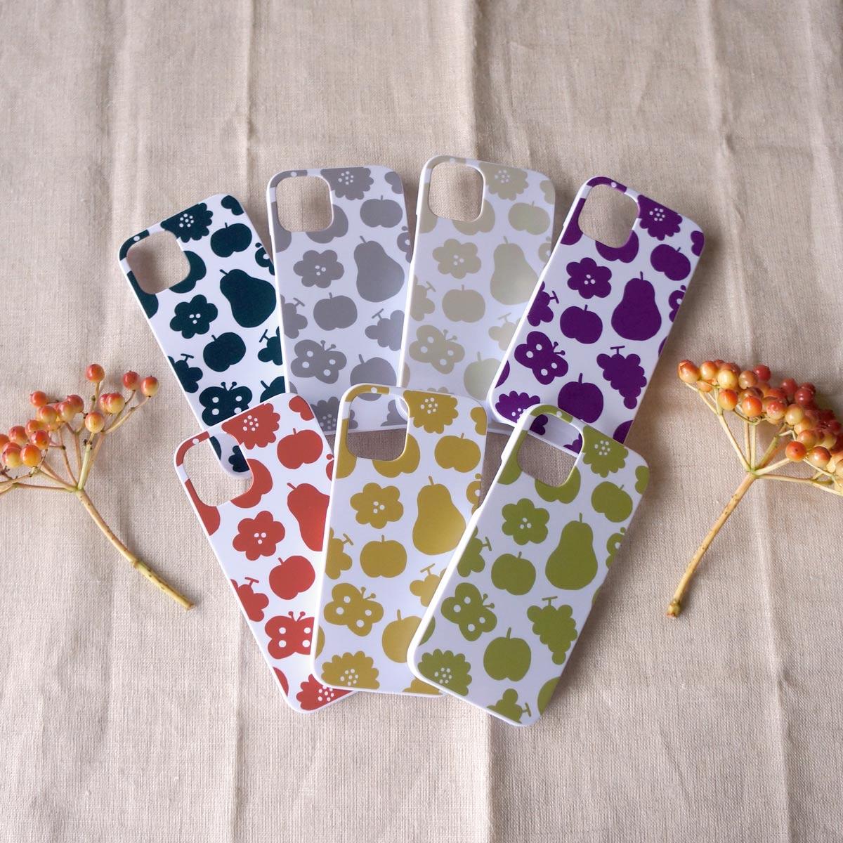 新作スマホケース「花と果実と蝶模様」をお店に並べました☆彡
