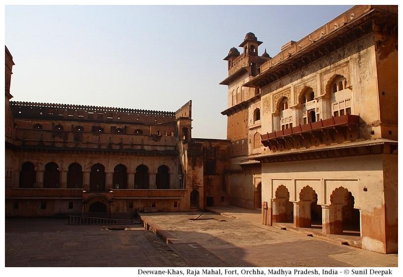 Deewane-Khas, Raja Mahal, Orchha fort, Madhya Pradesh, India - Images by Sunil Deepak