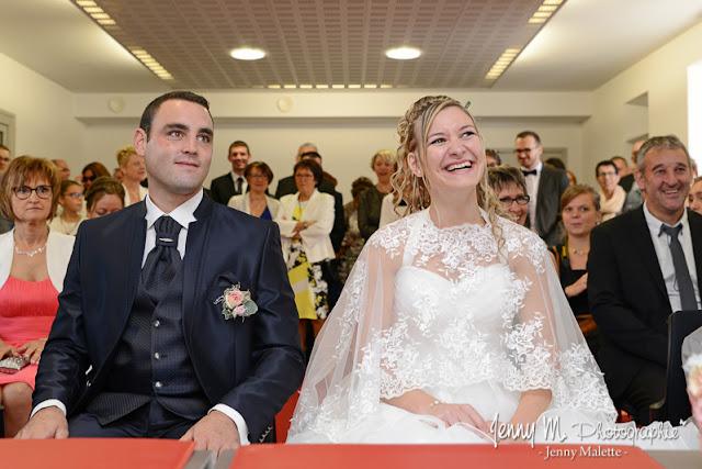 portraits des mariés reportage photos à la mairie