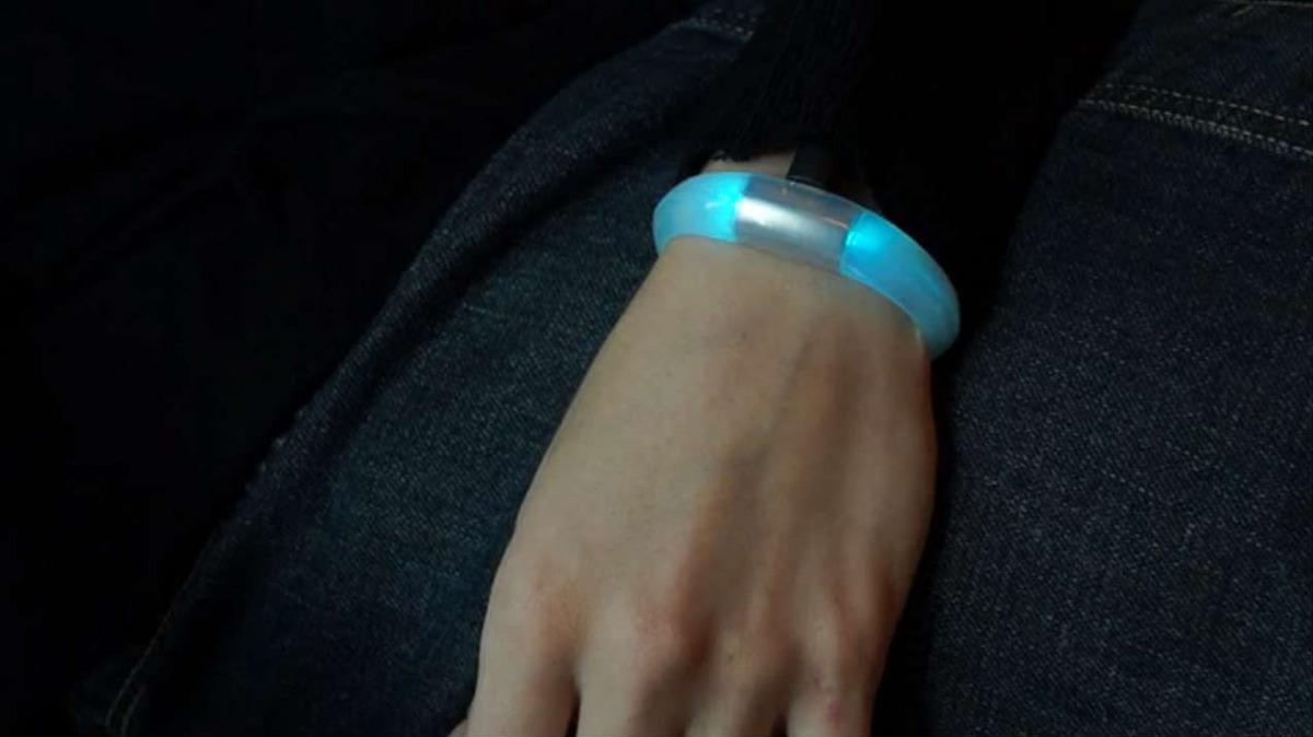 Embrace High Tech Bracelet For Smartphone Notifications The Beading Gem S Journal