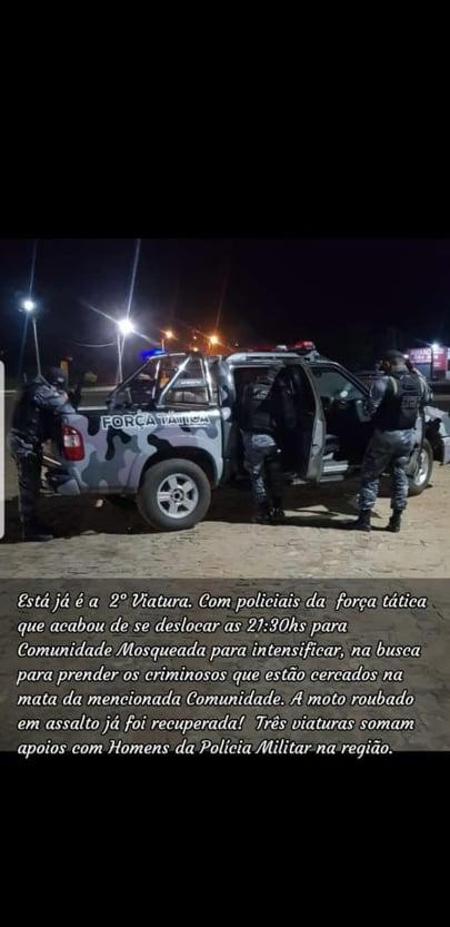 """ESTÃO NA MATA: PM recupera moto do autônomo """"Barretinho"""", alvo de assalto em Elesbão Veloso e tenta prender acusados."""