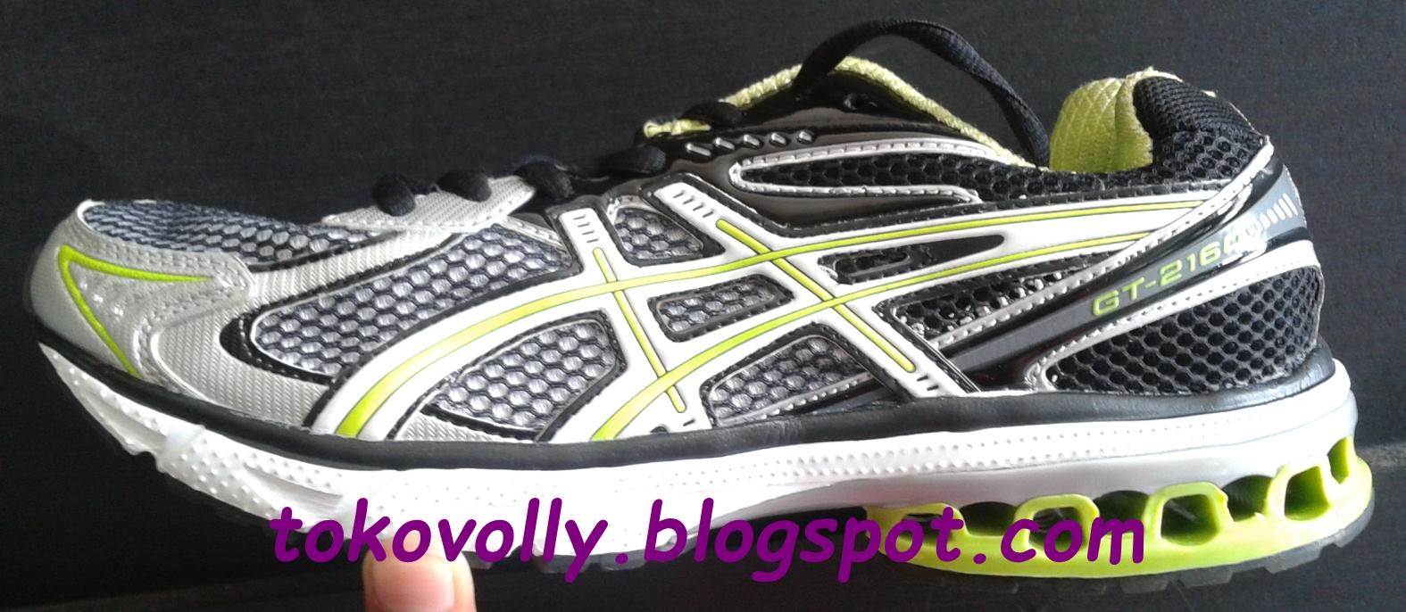 PUSAT SEPATU MIZUNO MURAH  Sepatu Voli Pria Terbaik Merek Asics 0fb332759f