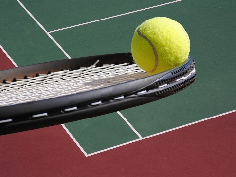 pixabay.com/en/tennis-ball-racket-court-2819296