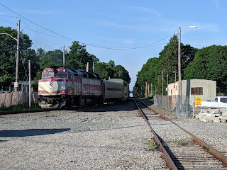 Franklin commuter rail train heading to Franklin Dean Station