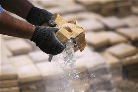 135 κιλά κοκαΐνης αξίας 5 εκατ. ευρώ εντόπισε η αστυνομία σε διαμέρισμα