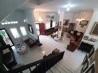 Ruang Tamu dan Ruang Keluarga Rumah second cantik mulus dan terawat dalam komplek Taman Asoka Asri di Jl. Flamboyan Simpang Pemda Medan