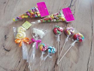 Manufaktura cukierków Toruń, warsztaty kręcenia lizaków. Atrakcje dla dzieci w Toruniu, blog atrakcyjne wakacje z dzieckiem