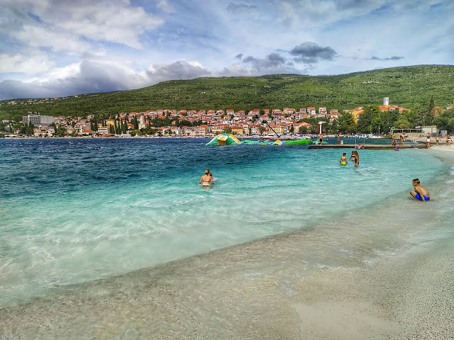 place wodne w Chorwacji, okolice Selce, widok na miasto
