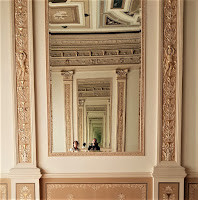 Biedrusko - pałac - Sala balowa - nieskończone odbicie w lustrze