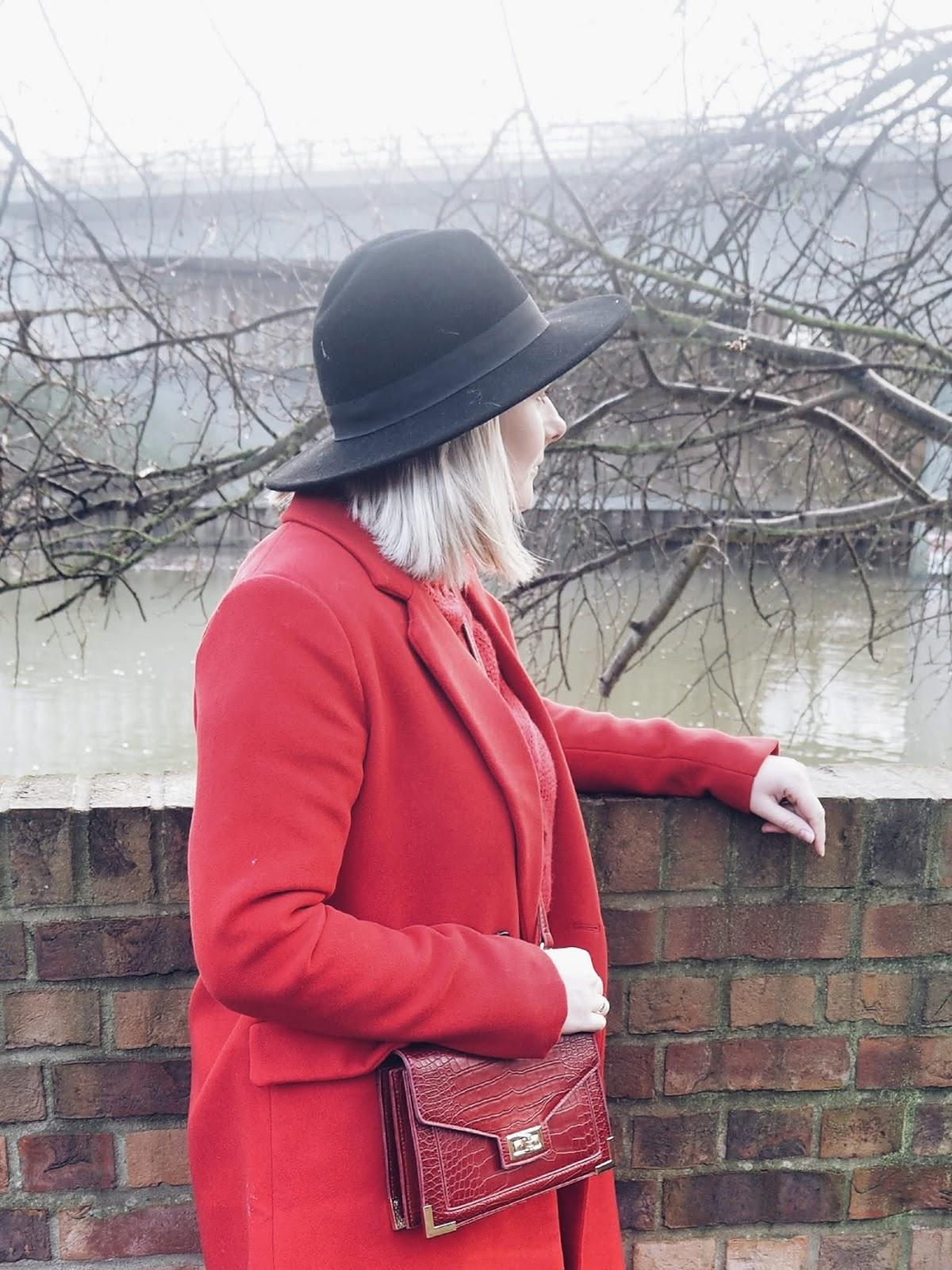 Lady in red czyli zimowy czerwony total look