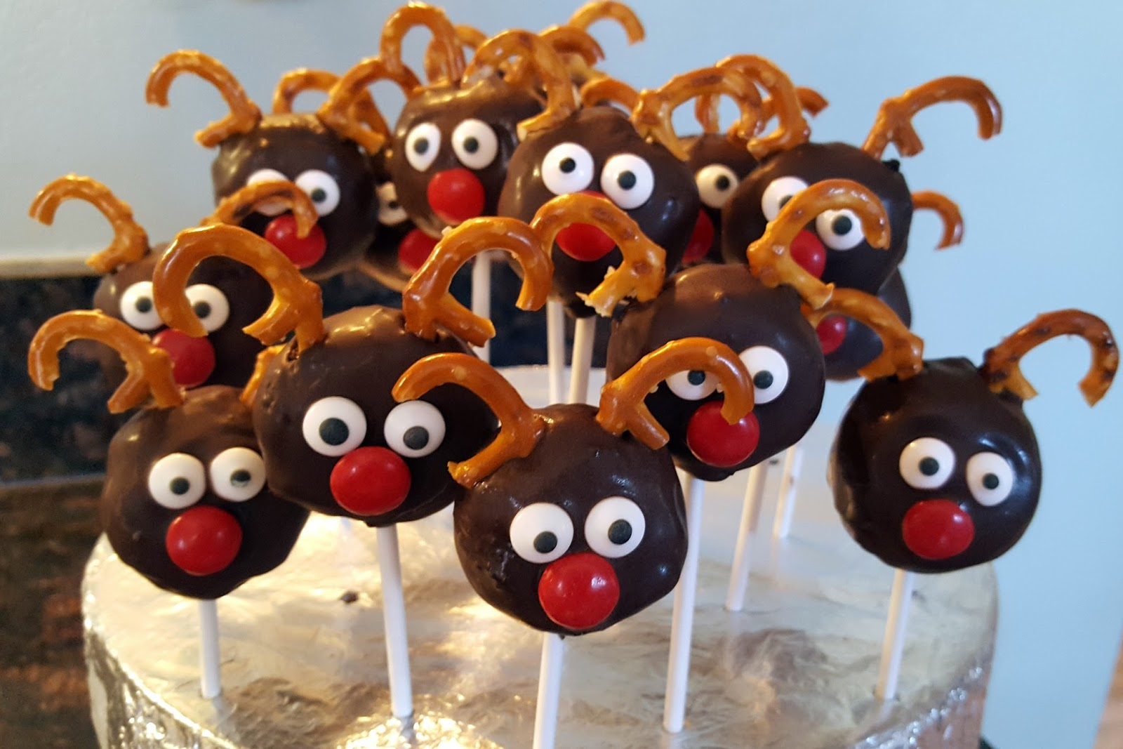The Baking Chemist Reindeer Cake Pops